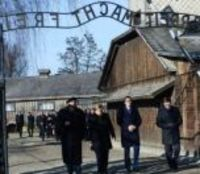 Merkel Auschwitz'i Ziyaret Etti: Utanç Duyuyorum