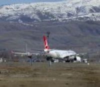 Tahran'dan Gelen Uçak Covid-19 Şüphesiyle Esenboğa'ya İndi